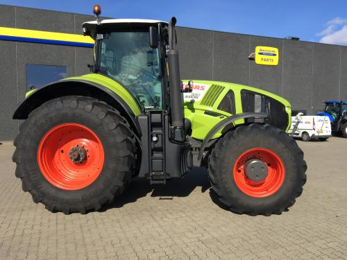 CLAAS 930 AXION C-MATIC